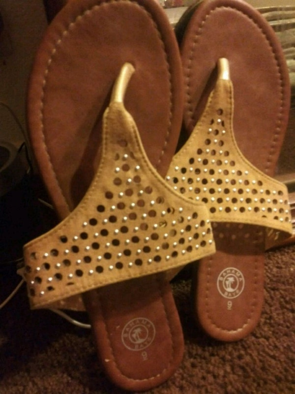 8d1520e14 Used Ladies leather sandals for sale in Fresno - letgo