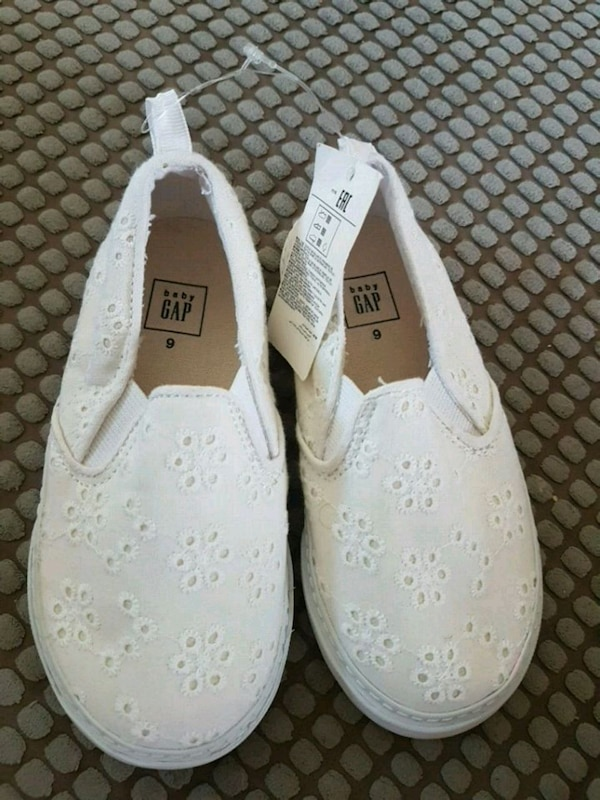 New Toddler Gap white shoes