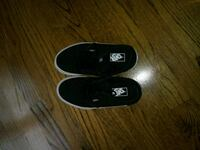 youth size 2 vans Spring Grove, 60081