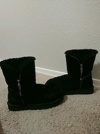 Classic Uggs size 6