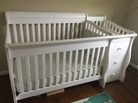 4 in 1 Crib Annandale