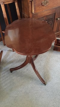 brown wooden round side table Hamilton, L9B 1Y9