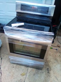 LG convection oven, with glass stovetop