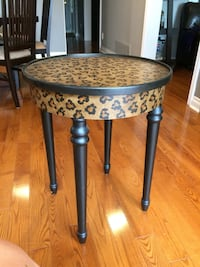 Accent side Table Dian 20 inch Aurora, L4G 4T4
