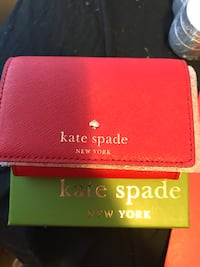 Pink kate spade leather wallet with box Mississauga, L5V 2Z2