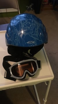 blue and black helmet and white sports goggles West Mahanoy, 17931