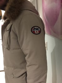 Beautiful Pajar Parka Winter / Jacket / Coat Real Red Fox Fur, Down Large Toronto, M4Y