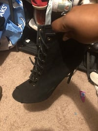 Women boots size 11