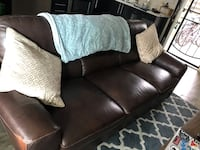 Leather couch- great condition  San Diego, 92126