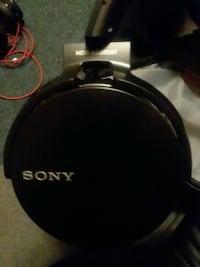 black and gray Sony wireless headphones Aurora, 80014