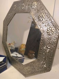 Silver embrosed mirror oxagan 21 inches