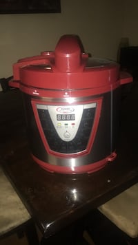 Red pressure cooker pro XL Odenton, 21113