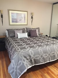 White and gray bed comforter Utica, 13501