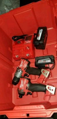 Milwaukee cordless hand drill with battery charger Germantown, 20874
