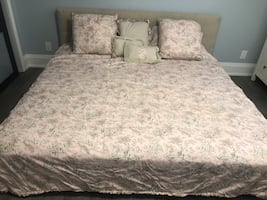 Queen duvet cover pillows and window curtains