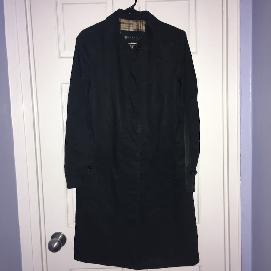 Kenneth Cole Reaction women's black trench coat- size small