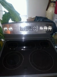 GE Electric Stainless Steel Stove Waterford Township, 48329