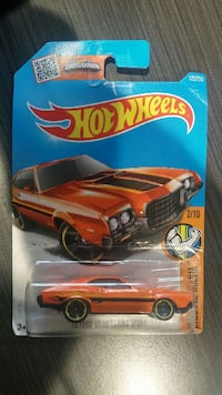 Hot Wheels Showdown: 72 Ford Grand Torino Sport