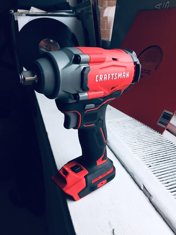 """Craftsman 1/2'"""" (13mm) Impact Wrench 20v with battery included  a24ade68-4b10-4725-ac18-372e1a44418c"""