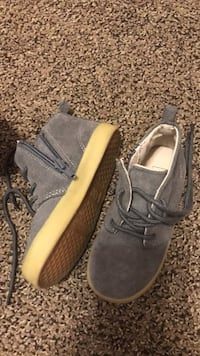 Boys Gap shoes size 9 Schertz, 78108