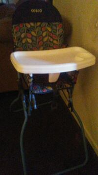2 baby high chairs Fresno, 93726