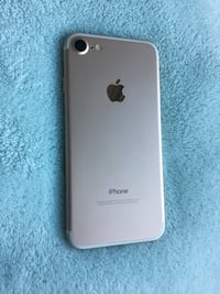 Unlocked iPhone 7 32gb Mississauga, L5B
