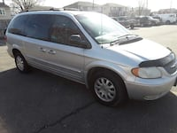 Chrysler - Town and Country - 2001 233 mi