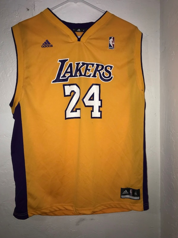 sports shoes 81c08 ddf35 Yellow and blue los angeles lakers kobe bryant jersey