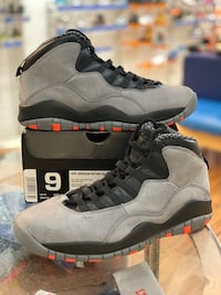 Cool grey 10s size 9 Laurel, 20707