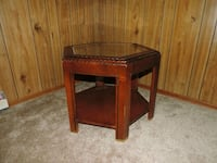 Side table Waterloo, N2L 4M4
