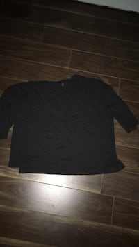 black crew-neck long-sleeved shirt Lower Sackville, B4E 1V1