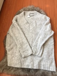 Zara oversized wool knit sweater Burnaby, V5J 1E4
