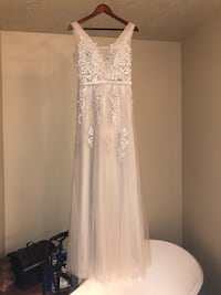 Light grey lace and chiffon formal Sumner, 98390