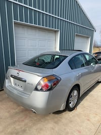 Altima sl  2.5 at, 33 k heated leather seats sun roof R title like new condition 2012 SL Chambersburg, 17202