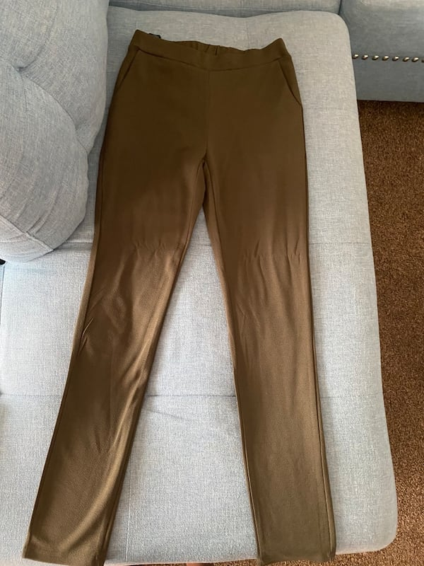 Green stretch pants brand new 0