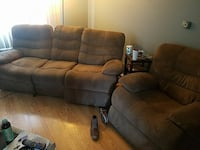 Electric recliner couch Elgin, 60123