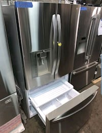 LG French Door Refrigerator stainless Steel in excellent conditions