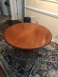 Round brown wooden table with two chairs Suitland, 20746