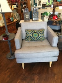 white and gray fabric sofa chair Kentfield, 94904