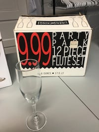 Champagne Flutes (84 in total)
