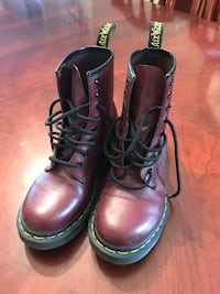 pair of brown leather work boots Toronto, M6E 4P3