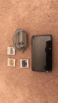 3ds and charger + 3 games Fairfax, 22030