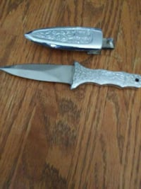 two gray handled pocket knives Chillum, 20783