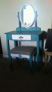 Vintage vanity and stool Edmonton, T5X 2J5