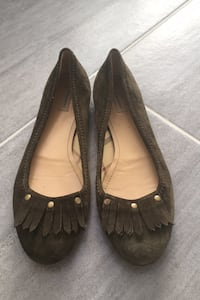38.5 green suede Burberry flats Shoes