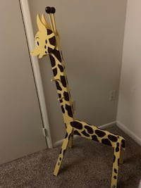 Giraffe kid coat hanger Baltimore, 21234
