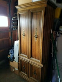 Singer sewing cabinet