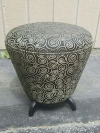 ottoman footrest with storage Toronto, M6E 4W7