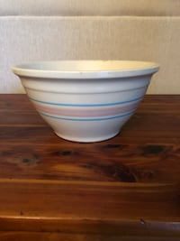 Pottery mixing bowl Plantation