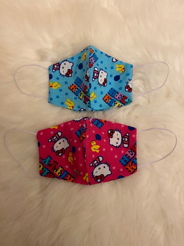 Photo LOT of 2 KIDS hello kitty bundle set. This will not fit adults